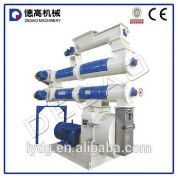 High capacity animal feed block making machine