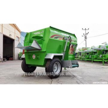 3m3 ELECTRIC POWERED FEED MIXER WAGON HORIZANTAL AUGER animal feed machinery